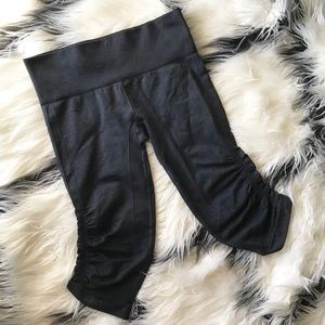 Lululemon In The Flow Crops Heathered Inkwell sz 8
